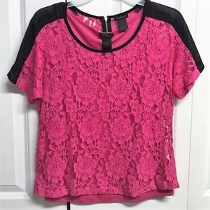 Nue Options Blouse Size S Layered Look Lace